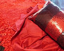 DESIGNER THROW FIRE ENGINE BRIGHT RED WHIRLPOOL CIRCLES 125 cm X 150 cm NEW LOUNGE BED THROW