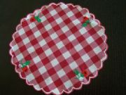 STRAWBERRY-CHECK-RED-DOILEY-DOILIES-STUNNING-MODERN-COUNTRY-LOOK-20.5-cm-NEW
